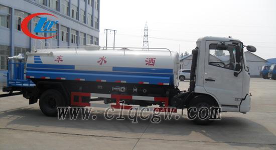 东风天锦8.5吨洒水车